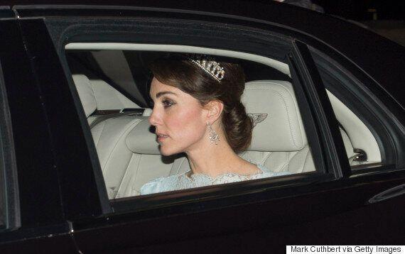 Kate Middleton sort en public avec un diadème de la princesse