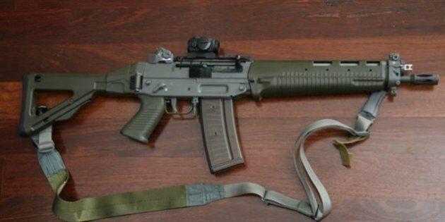 Ottawa autorise des armes semi-automatiques prohibées par la