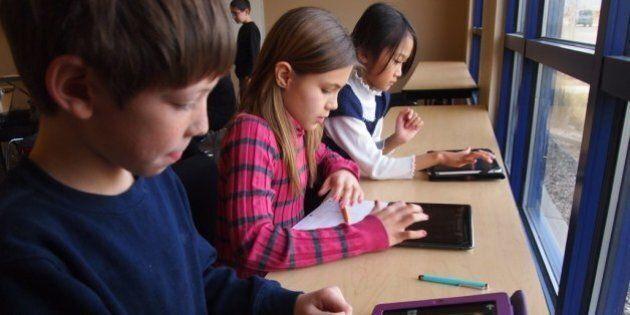 iPad à l'école publique: ce n'est pas aux parents de payer, tranche le ministère de