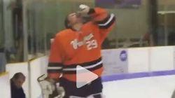 Il boit une bière sur la patinoire et se fait expulser du