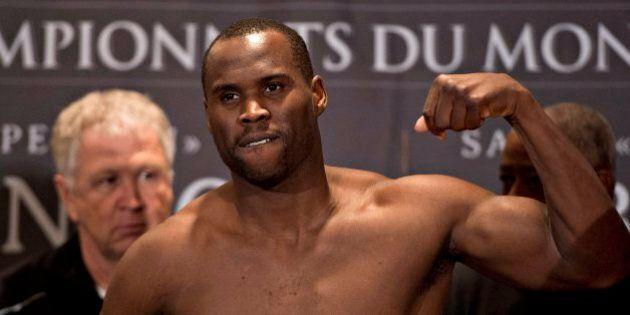 Adonis Stevenson défend son titre avec succès contre Sakio