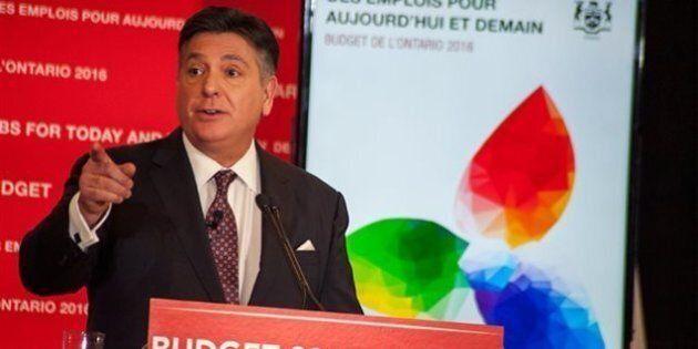 Budget de l'Ontario: déficit de 4,3 milliards; université gratuite pour les moins