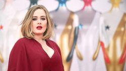 Adele vole la vedette sur le tapis rouge des Brit Awards