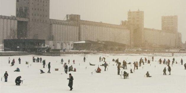 De la pêche sur glace dans le port de Québec cet