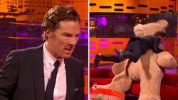 Benedict Cumberbatch, déchaîné, tabasse un ourson en peluche géant