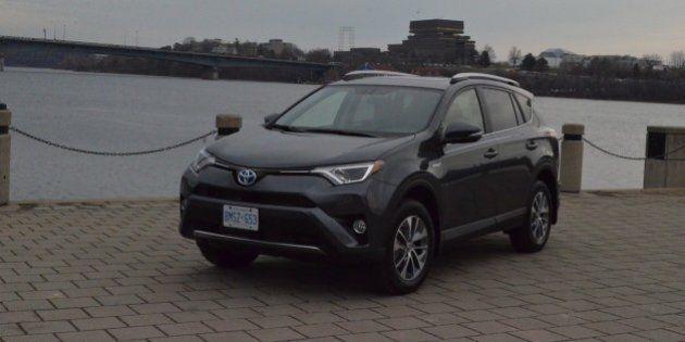 Essai routier Toyota RAV4 Hybride 2016 : la chasse aux émissions