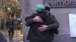 Dans les rues de Montréal, un musulman demande des câlins de confiance