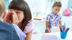 Comment réagir quand des élèves se moquent de notre enfant à