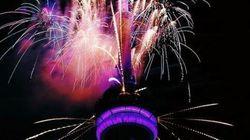 Les feux d'artifice de la Tour CN ont clos de façon spectaculaire les Jeux panaméricains
