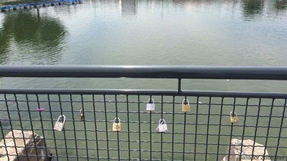 Le Vieux-Port de Montréal retire les cadenas d'amour du bassin