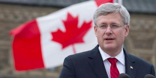 Canada: les conservateurs en tête des
