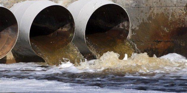 Grand déversement dans le fleuve : Montréal ignorait qu'il fallait le feu vert du