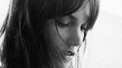 «Les échardes»: Charlotte Cardin charme la toile