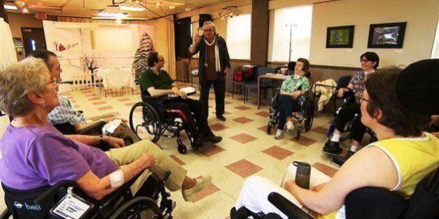 Des résidents handicapés d'un CHSLD s'expriment par le