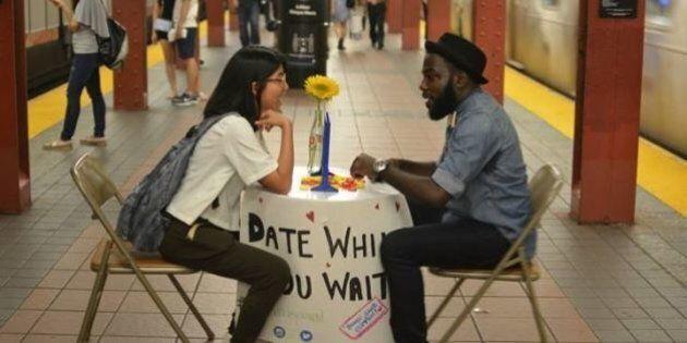 Métro de New York : Il tente d'apporter un peu de joie aux usagers qui attendent