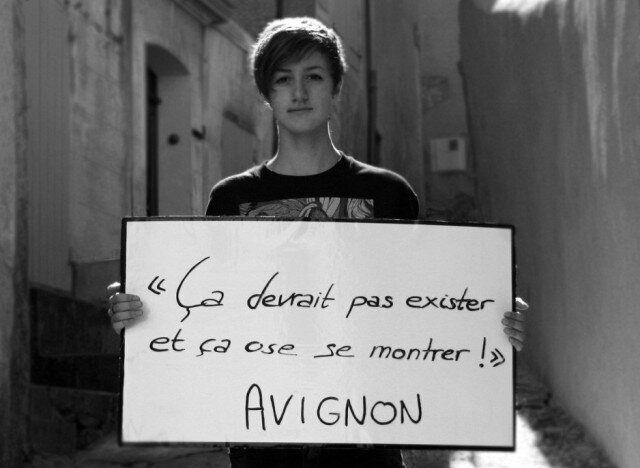 Homophobie : Lesbeton, le Tumblr qui dénonce le harcèlement de rue que subissent les lesbiennes