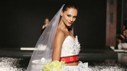 Cette robe de mariée est faite d'emballages de McDonald's