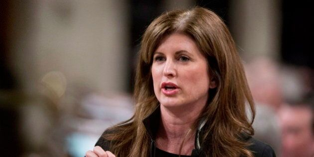 L'ex ministre Rona Ambrose veut devenir chef intérimaire des