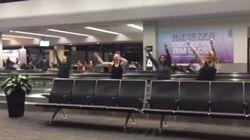Bloquées à l'aéroport, elles trouvent une façon originale de tuer le