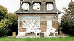 Invasion de ballons, signée Charles Pettilon