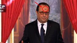 François Hollande embêté par une mouche en pleine conférence de presse