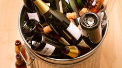 Ne pas recycler les bouteilles de vin coûte très cher aux