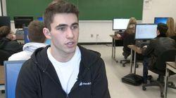 À 18 ans, il crée sa première application pour téléphones