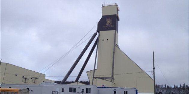 Opération d'urgence à la suite d'un effondrement à la mine