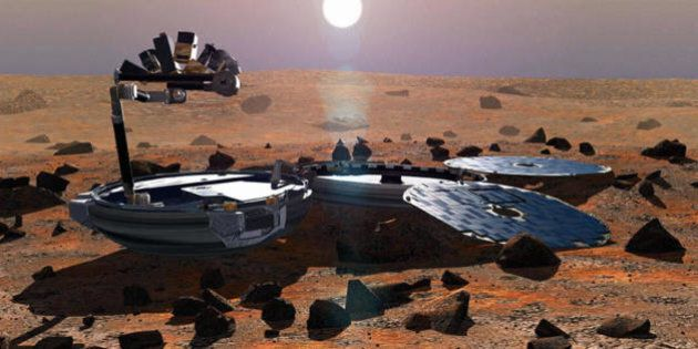 London, UNITED KINGDOM: This May 2002 image shows a simulation of Beagle 2 on the martian surface. The...