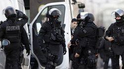 France: deux personnes brièvement retenues en otage près de