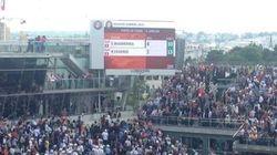 Roland-Garros: Un morceau du tableau d'affichage tombe sur le