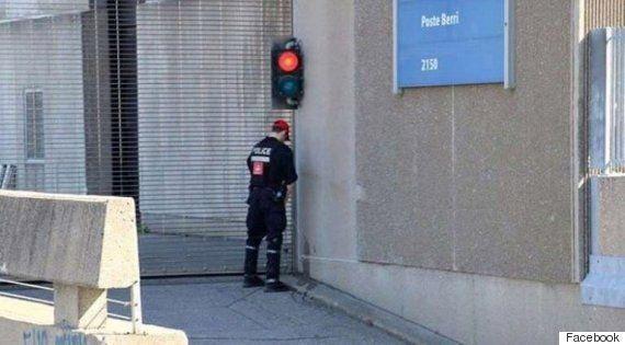 Uriner en public n'est pas légal, même pour les policiers du