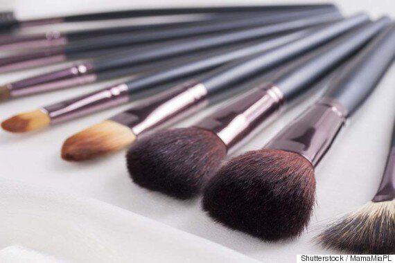 Selon un sondage britannique, 61% des femmes ne lavent pas correctement leurs pinceaux à