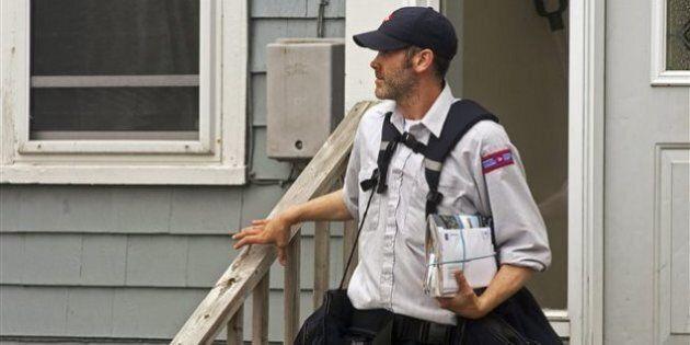 Des facteurs de Postes Canada refusent de livrer des dépliants