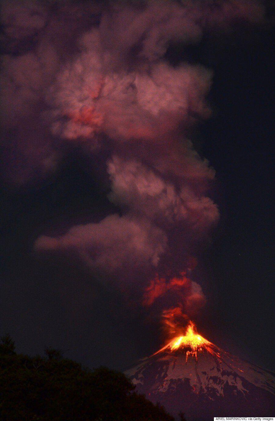 Éruption d'un volcan au Chili: des milliers de personnes évacuées