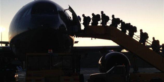 125 soldats canadiens partent en mission en Europe de