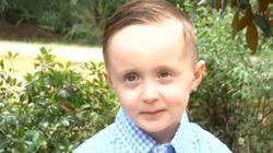Josiah, 5 ans, a ému tout le monde en aidant un itinérant dans un