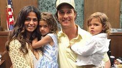 Mme Matthew McConaughey obtient la citoyenneté