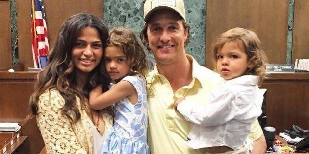 Matthew McConaughey félicite sa femme Camilla Alves qui a obtenu la citoyenneté