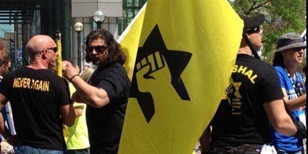 Des membres d'une ligue controversée à une marche pro-Israël à