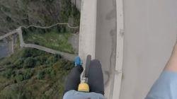 Faire de l'unicycle en risquant une chute de 160