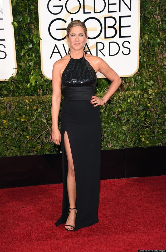 Golden Globes 2015: La robe de Jennifer Aniston dévoile ses jambes