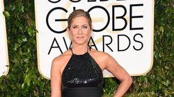 La robe de Jennifer Aniston dévoile ses jambes bronzées au Golden