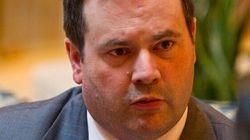Le ministre Jason Kenney sévèrement critiqué par