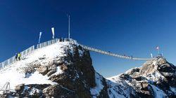 Le premier pont au monde reliant deux sommets