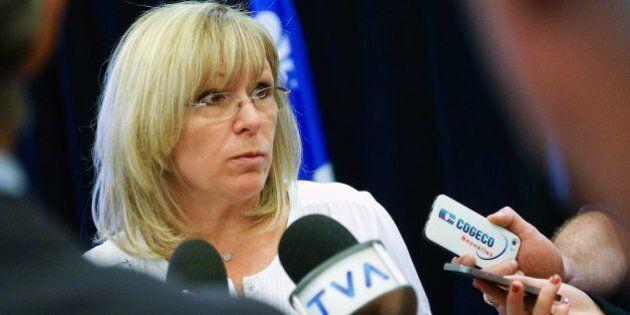 Martin Coiteux insatisfait d'un bilan qui révèle 173 365 $ de dépenses par Francine