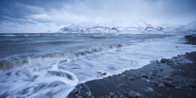 Fonte des glaces: des vagues énormes dans l'océan Arctique pourraient accélérer le recul des