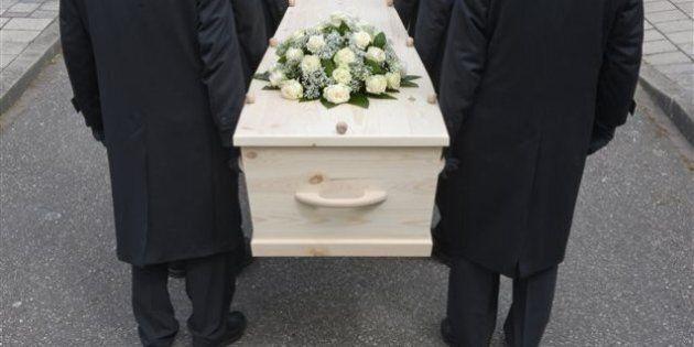 Un enterrement coûte cher à