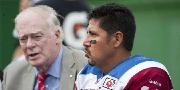 Anthony Calvillo embauché comme entraîneur à l'attaque par les