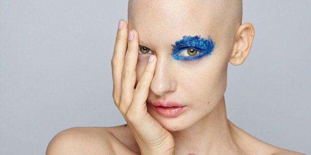 Après un cancer, le mannequin Elizaveta Bulokhova a tenté de se retrouver grâce à la photo